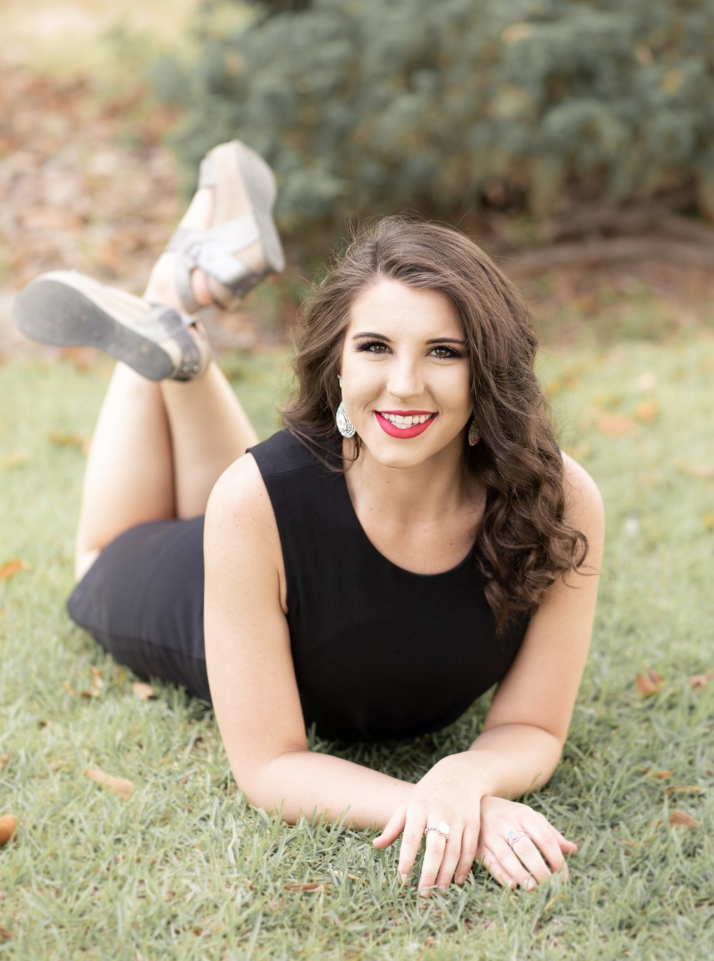 Erin Perry Cap & Gown Session-30.jpg