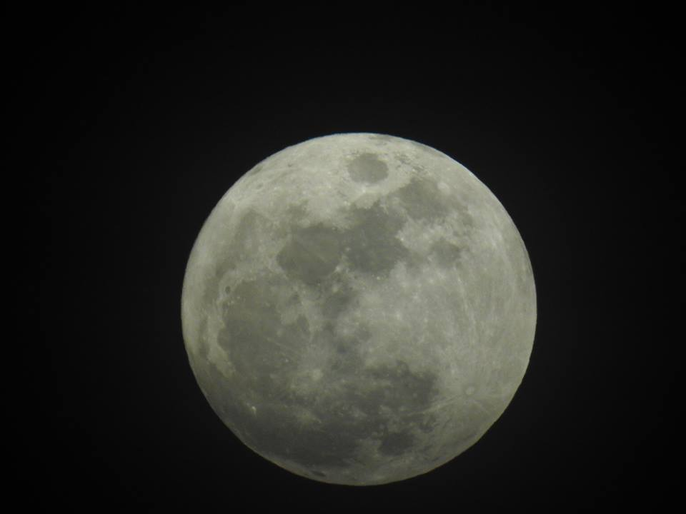 Full Moon Taken Handheld with my Nikon P900