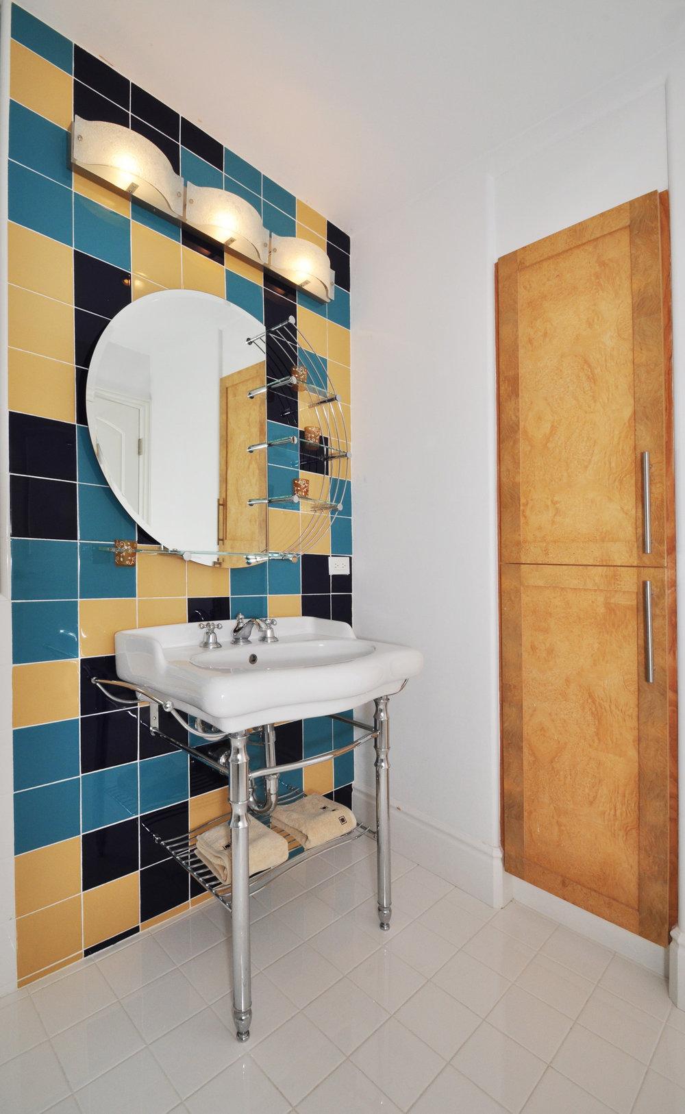 Poon_Bedrooom_Bathroom.jpg