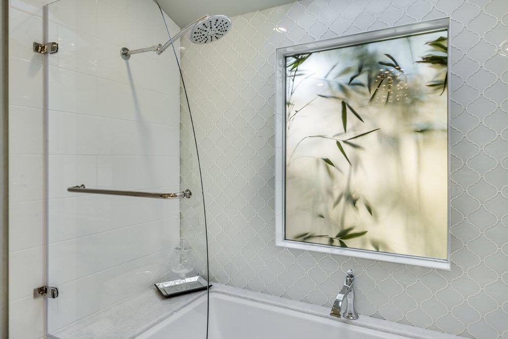 Dorardo_Shower.jpg