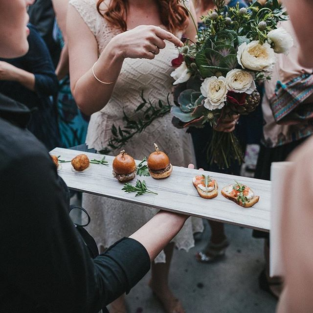 Here's a little throwback to C+L's gorgeous wedding at @theholdingco! We served up dry-aged beef sliders with caramelized onions, cheddar, and aioli on a brioche bun, gourmet mac and cheese, and champagne-cures salmon crostini with herbed goat cheese and arugula! 🍔🐟🧀 We love weddings here at TOP, and if you're interested in our wedding packages, check out the link in the bio!  Photography by @campbellphotography / Event Design by @jennlaskey • • •  #wedding #catering #cater #engagement #weddingideas #weddinginspo #brides #foodphotography #foodpic #burgers #macandcheese #salmon #sliders #bridal #hollywood #losangeles #eventspace #events #food #foodie #tasty #tablescape #foodphoto #reception