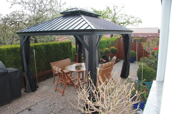 Gazebo-built-in-Mississauga