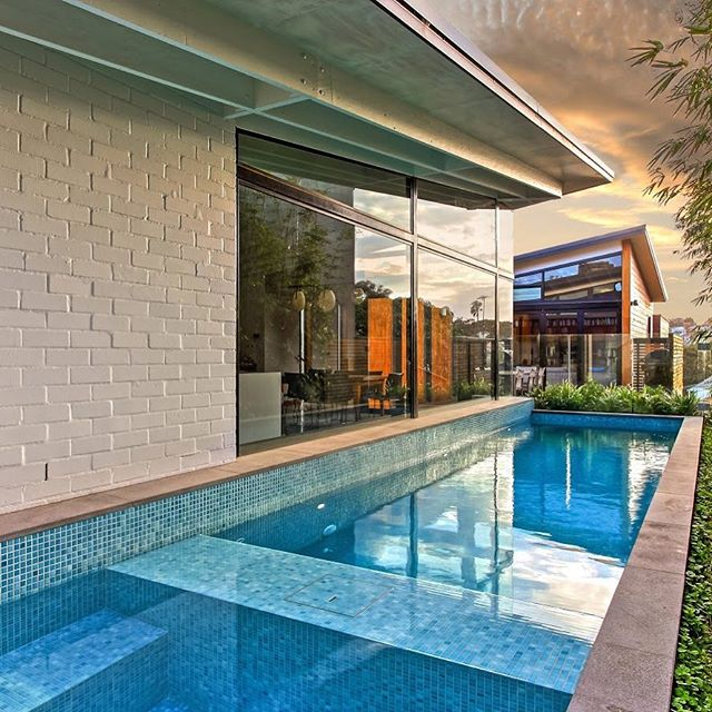 A stunning pic of our fully tiled pool and spa project at Bronte. Built with our friends at Buildability Constructions. #malibupools #buildability #tiledpool #poolandspa #concretepoolbuilder