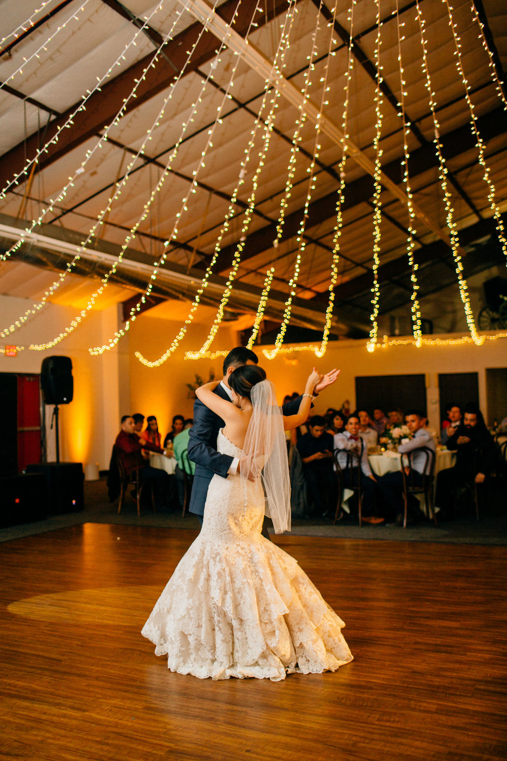 1fd19-elegant-country-charm-ranch-wedding-first-dance.jpg