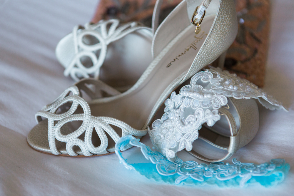 129b4-pretty-in-pink-vintage-hollywood-fiesta-wedding-shoes-something-blue.jpg
