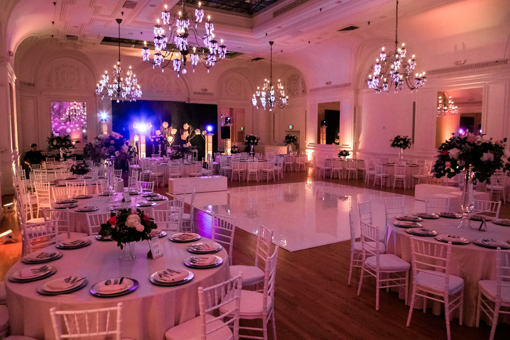 28c57-pretty-in-pink-vintage-hollywood-fiesta-wedding-alexandria-ballroom-palm-court-room-overview.jpg
