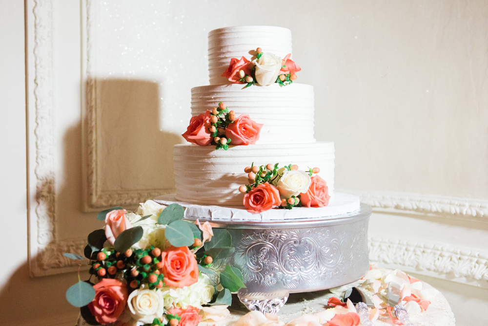 780f8-pretty-in-pink-vintage-hollywood-fiesta-wedding-alexandria-ballroom-palm-court-room-wedding-cake.jpg
