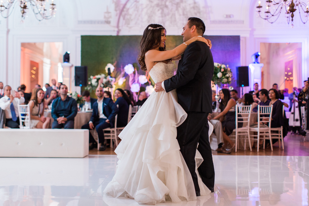 855c6-pretty-in-pink-vintage-hollywood-fiesta-wedding-alexandria-ballroom-palm-court-room-first-dance.jpg