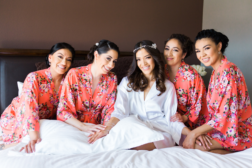 f5698-pretty-in-pink-vintage-hollywood-fiesta-wedding-bride-bridesmaids-getting-ready.jpg