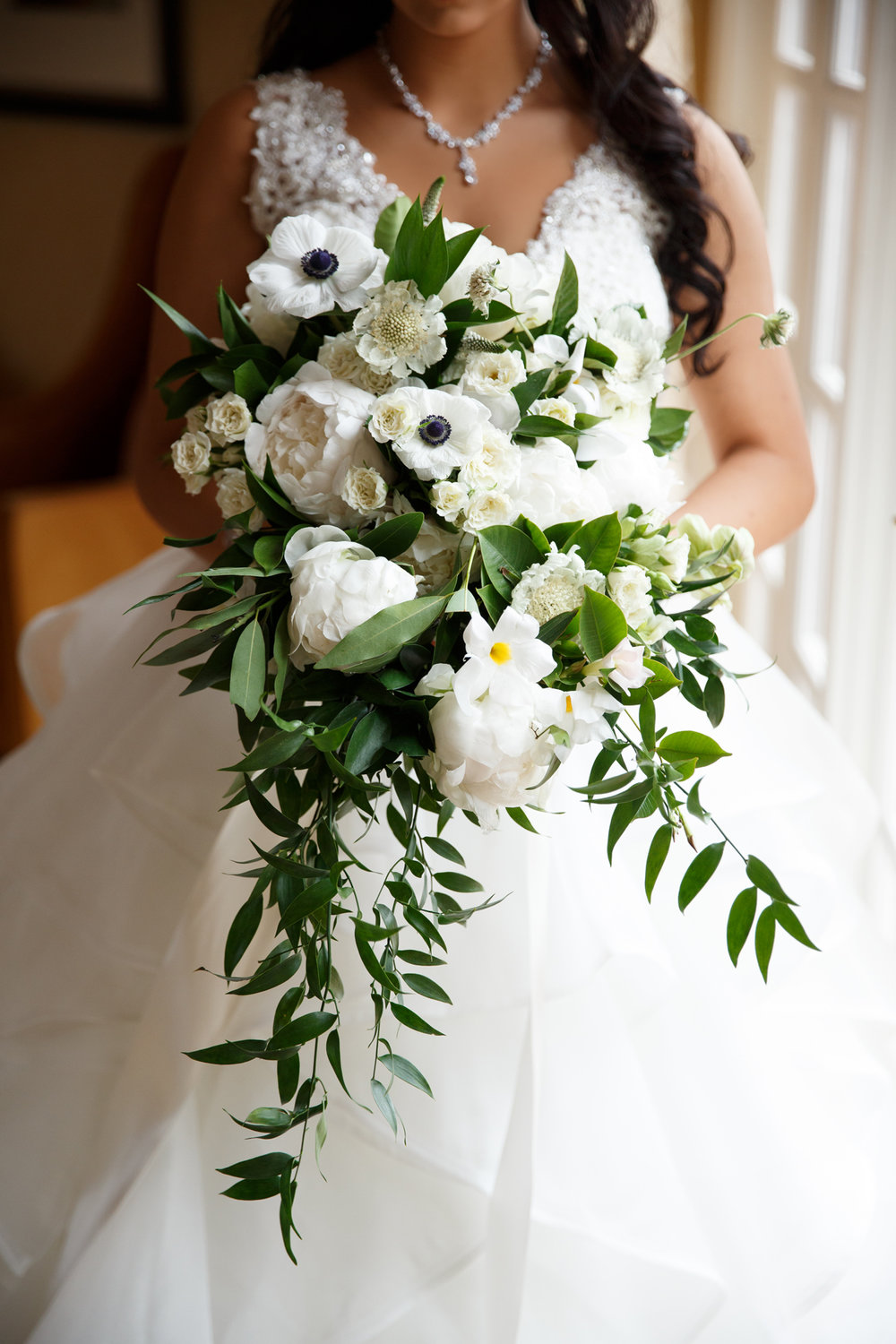 Elegant Pasadena Wedding to Make You Swoon gorgeous bridal bouquet.jpg