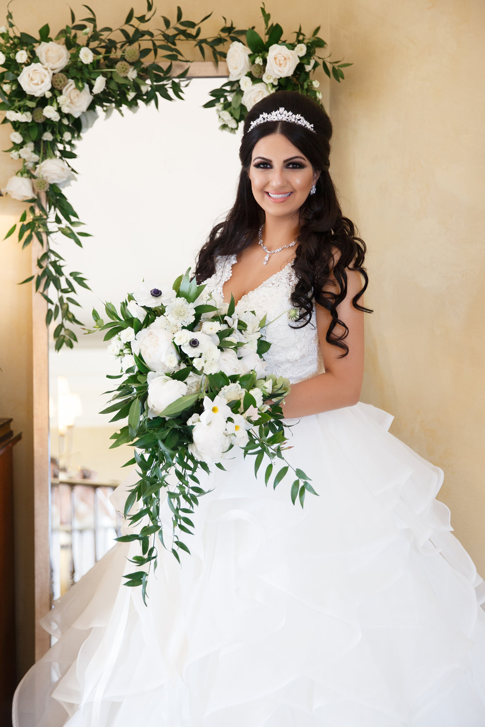 Elegant Pasadena Wedding to Make You Swoon stunning bride with beautiful bouquet.jpg