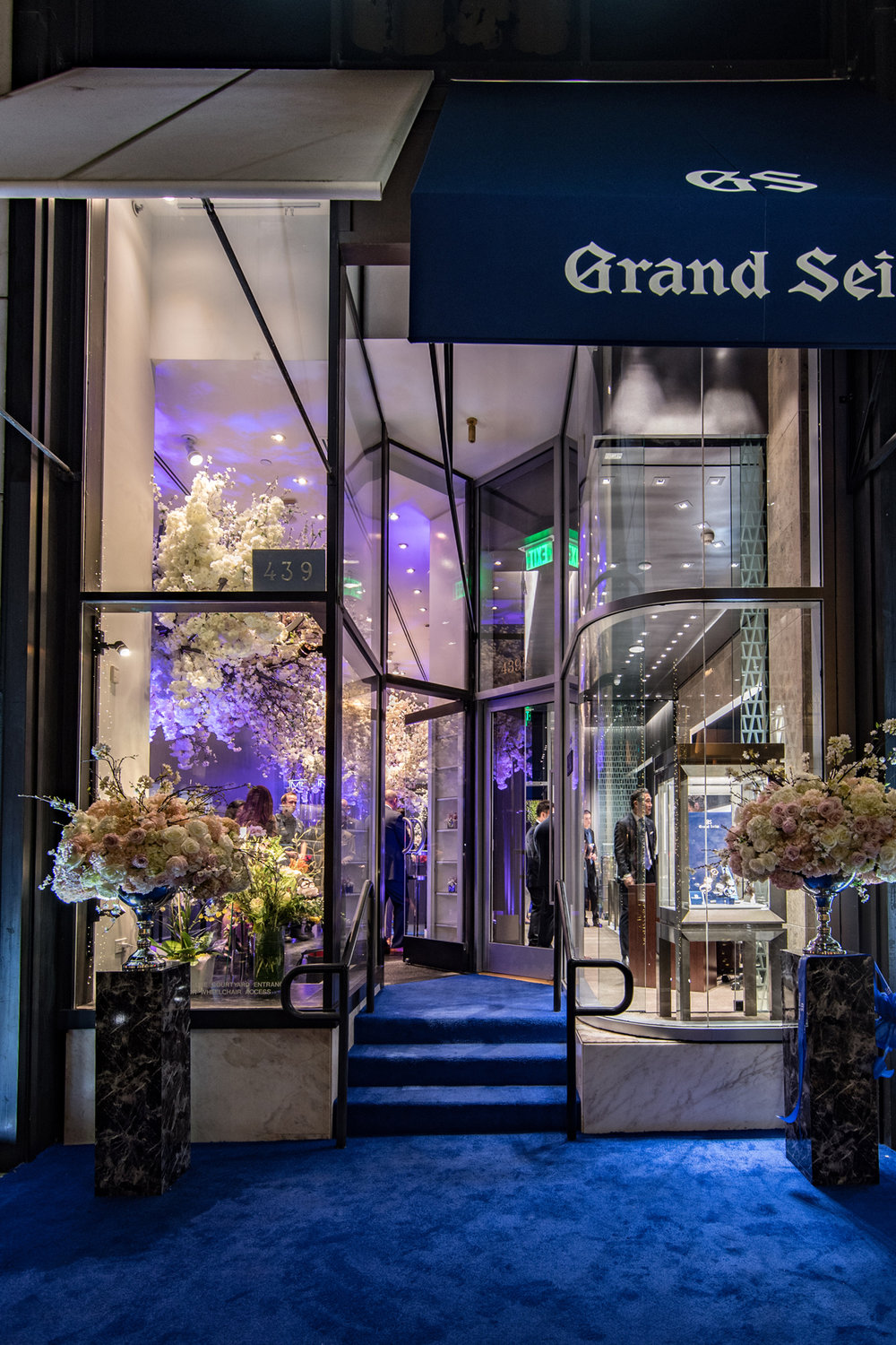 Grand Seiko Boutique Grand Affair Beverly Hills Store Opening Blue Carpet Leading into Store.jpg