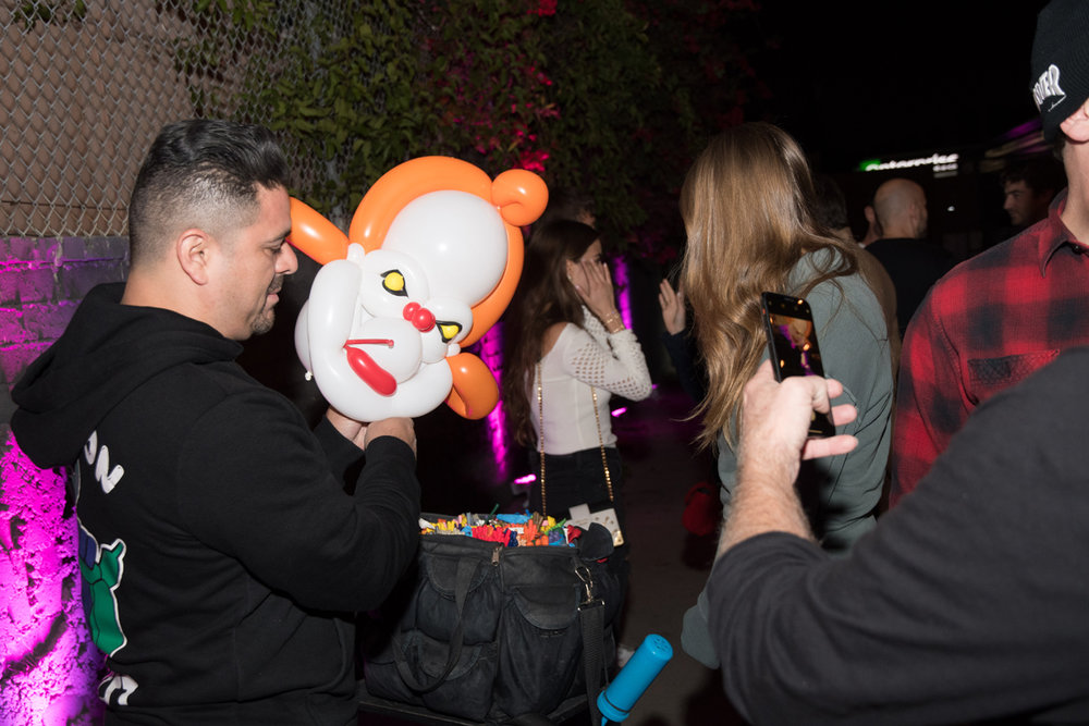 Rockin Out with Dave Rocco LA Birthday Party balloon artist making scary clown.jpg