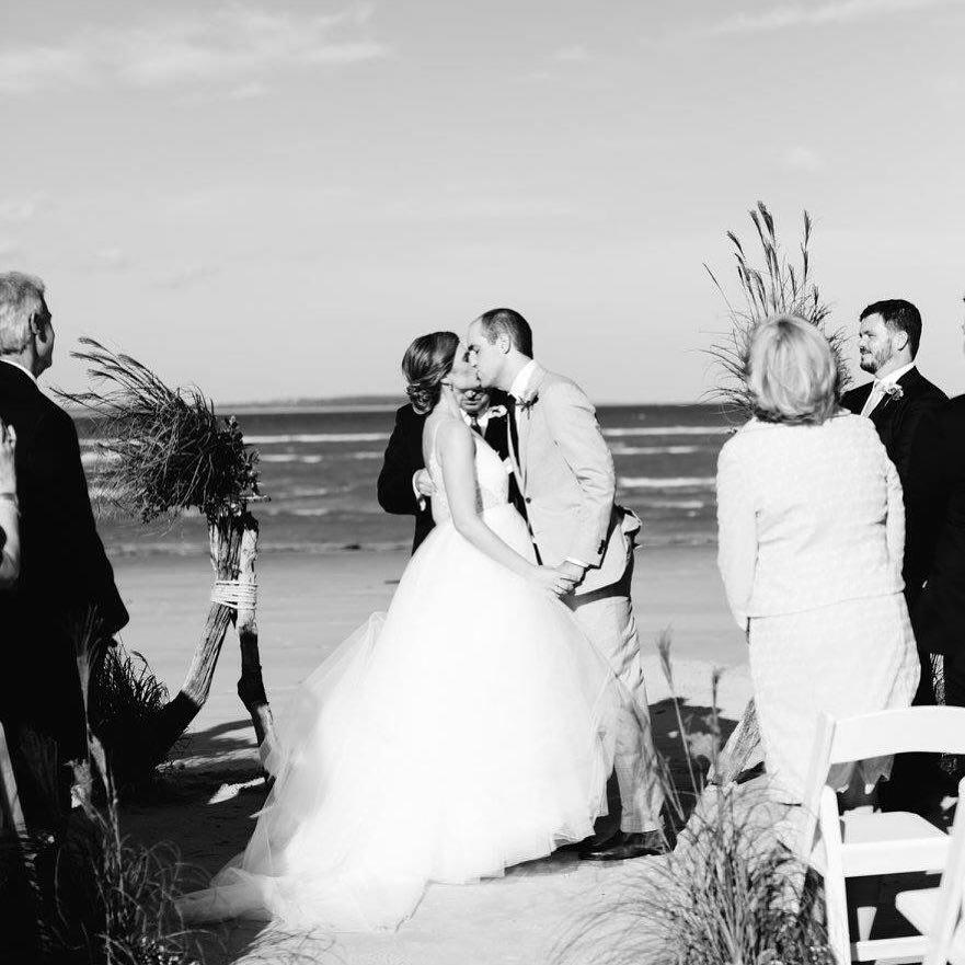 bredice_beauty_weddings_bride_groom_hair_makeup_beach_hiltonhead_carolina_.jpg