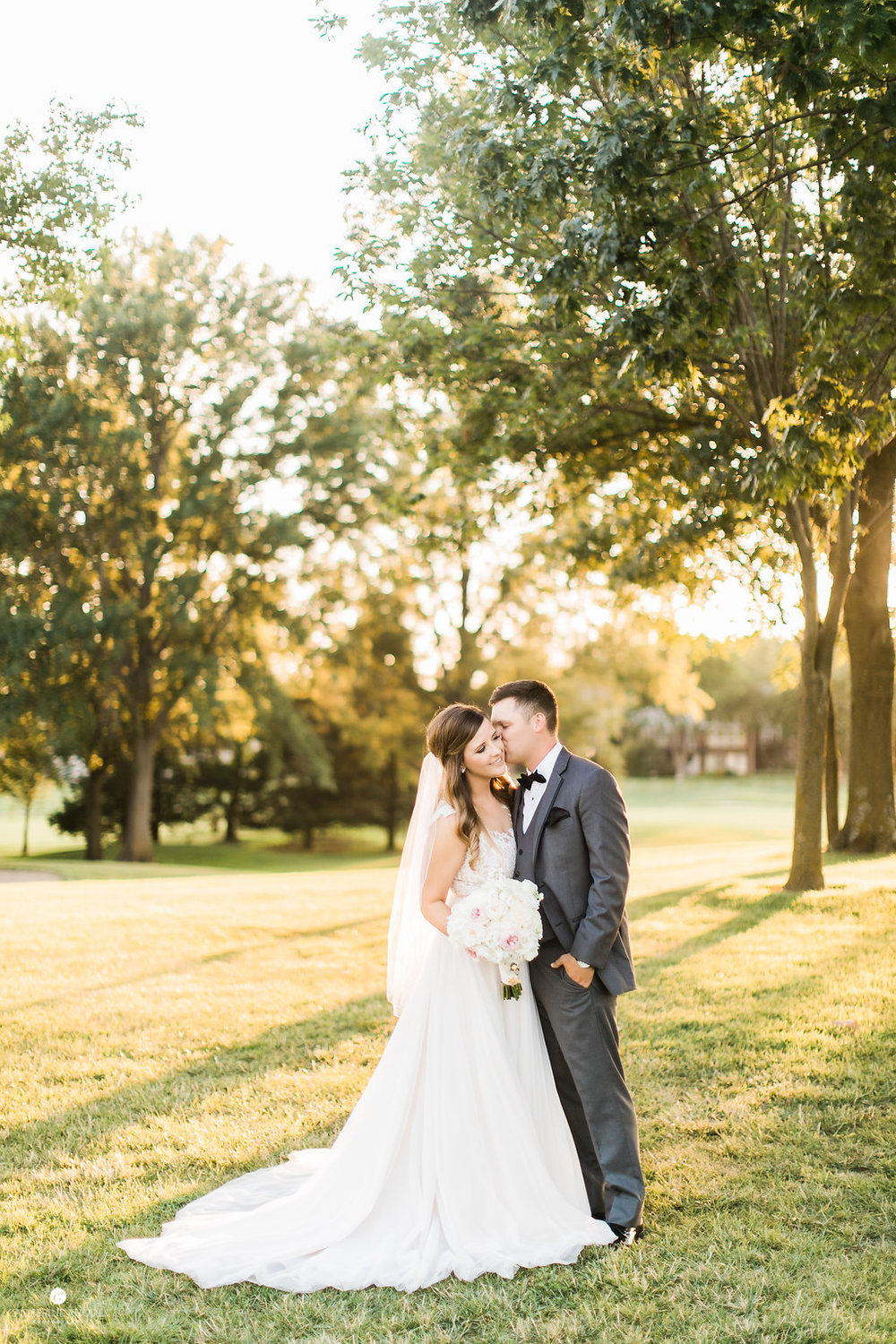 CountryClubofMissouriWedding_AnnaDrew_Portraits_CatherineRhodesPhotography(252of332)-Edit.jpg