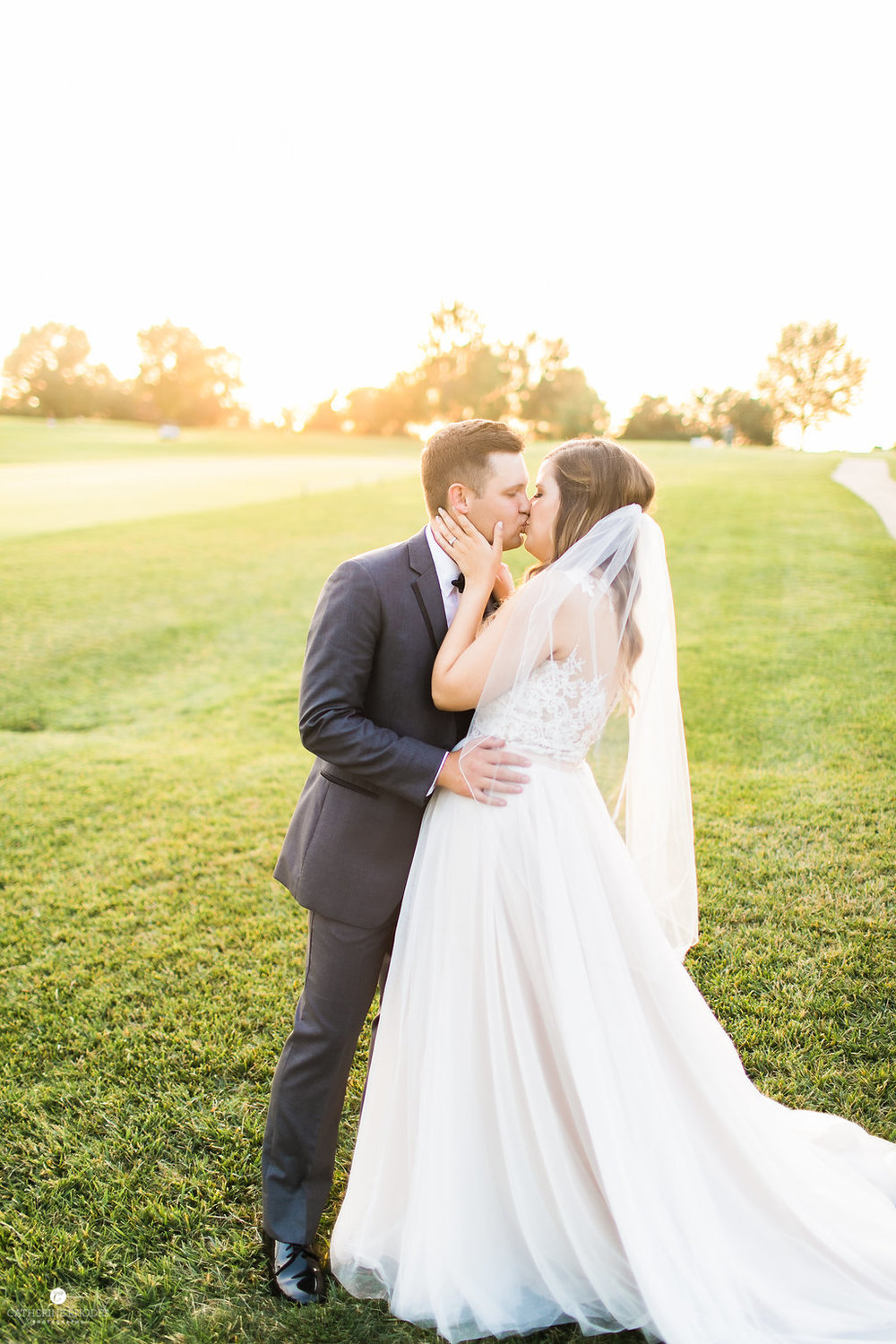 CountryClubofMissouriWedding_AnnaDrew_Portraits_CatherineRhodesPhotography(304of332)-Edit.jpg
