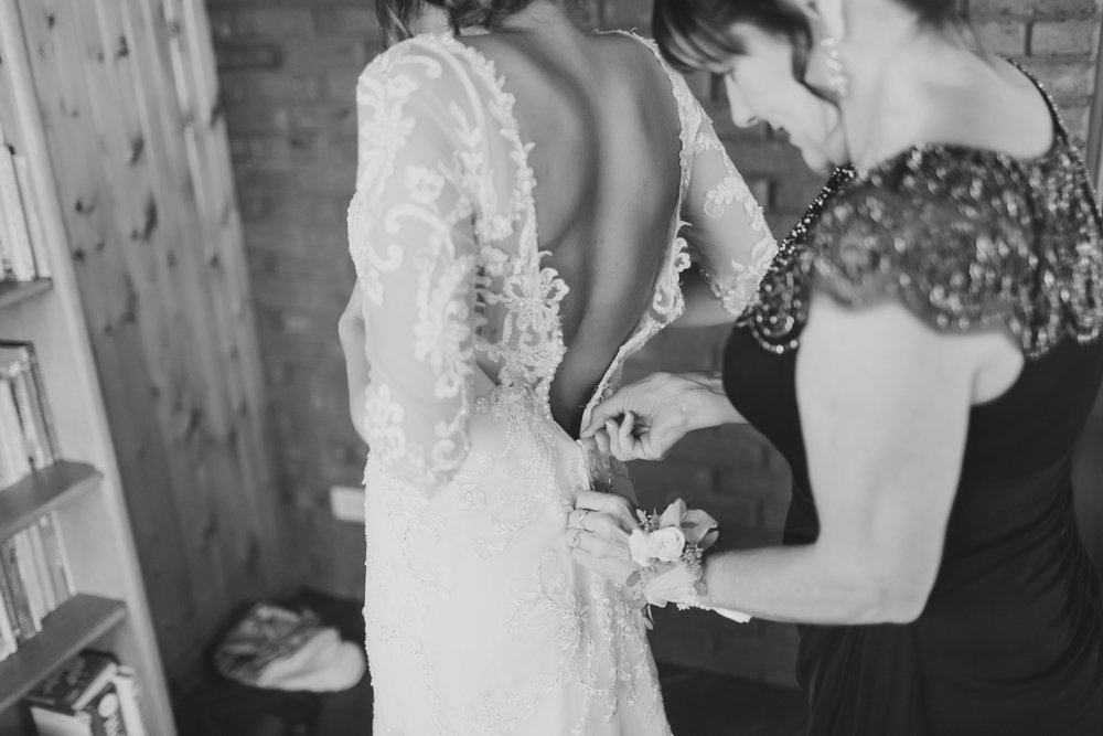 MissouriRusticWedding_StLouisWeddingPhotographer_AliciaDan_CatherineRhodesPhotography-359-Edit.jpg