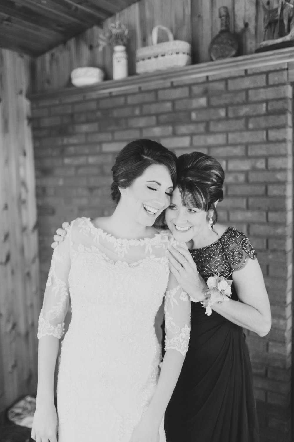 MissouriRusticWedding_StLouisWeddingPhotographer_AliciaDan_CatherineRhodesPhotography-431-Edit.jpg
