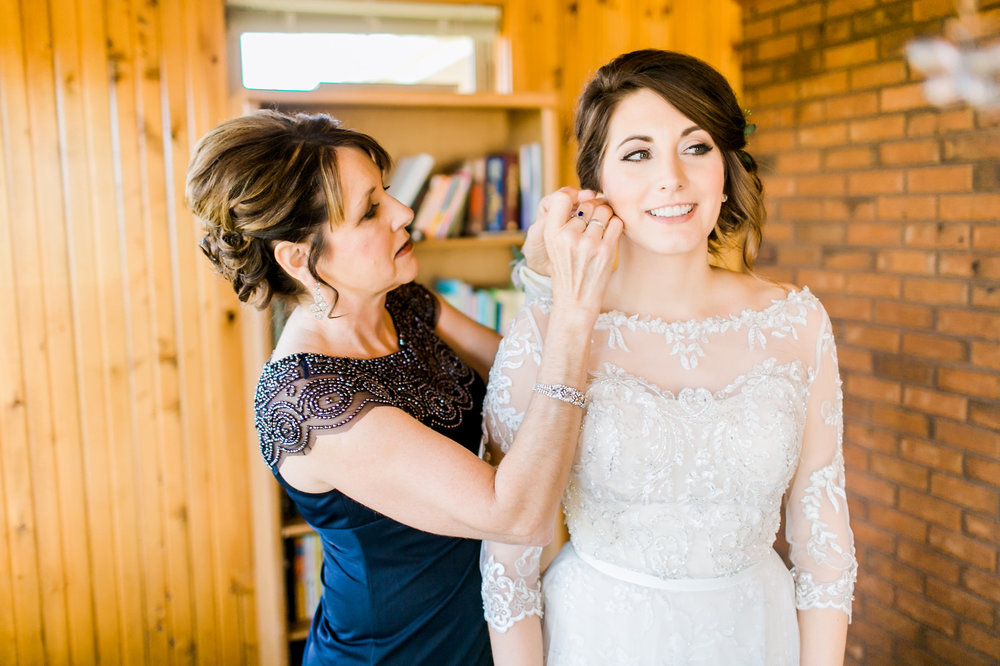 MissouriRusticWedding_StLouisWeddingPhotographer_AliciaDan_CatherineRhodesPhotography-590-Edit.jpg