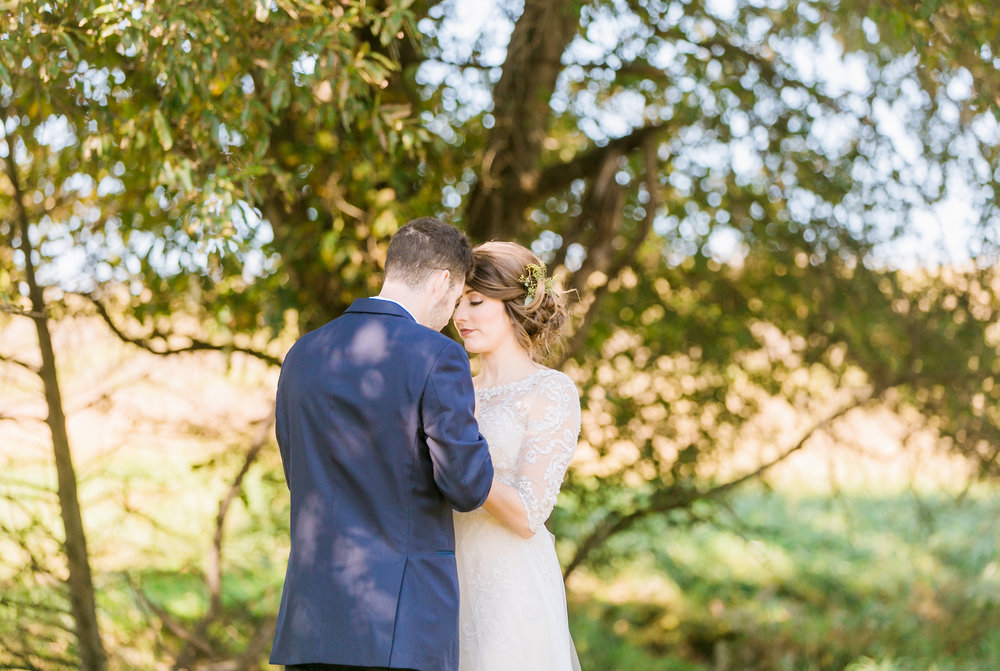MissouriRusticWedding_StLouisWeddingPhotographer_AliciaDan_CatherineRhodesPhotography-1286-Edit.jpg