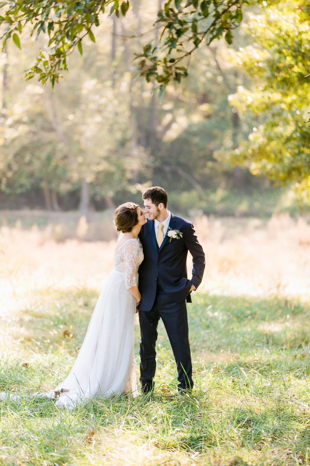 MissouriRusticWedding_StLouisWeddingPhotographer_AliciaDan_CatherineRhodesPhotography-1417-Edit.jpg