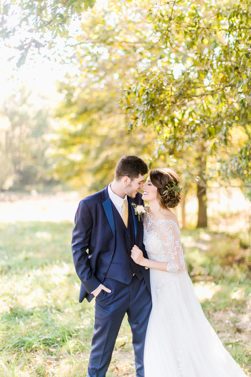 MissouriRusticWedding_StLouisWeddingPhotographer_AliciaDan_CatherineRhodesPhotography-1696-Edit.jpg