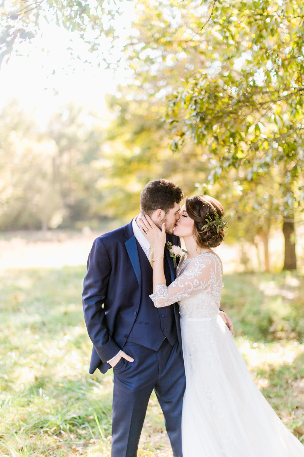 MissouriRusticWedding_StLouisWeddingPhotographer_AliciaDan_CatherineRhodesPhotography-1706-Edit.jpg