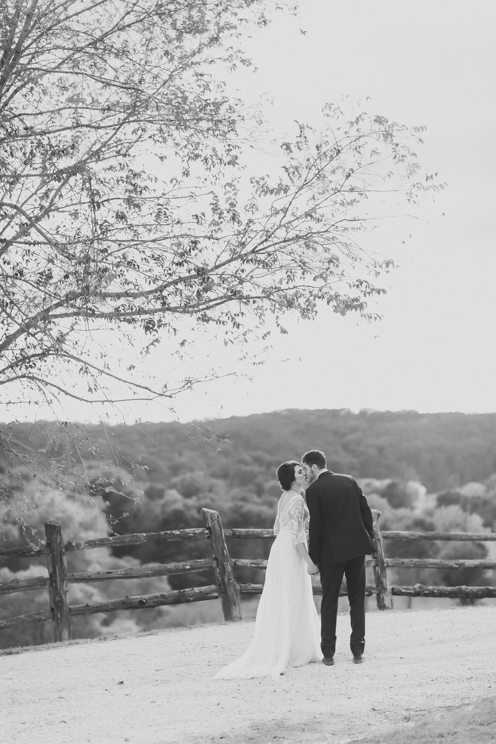 MissouriRusticWedding_StLouisWeddingPhotographer_AliciaDan_CatherineRhodesPhotography-2459-Edit.jpg