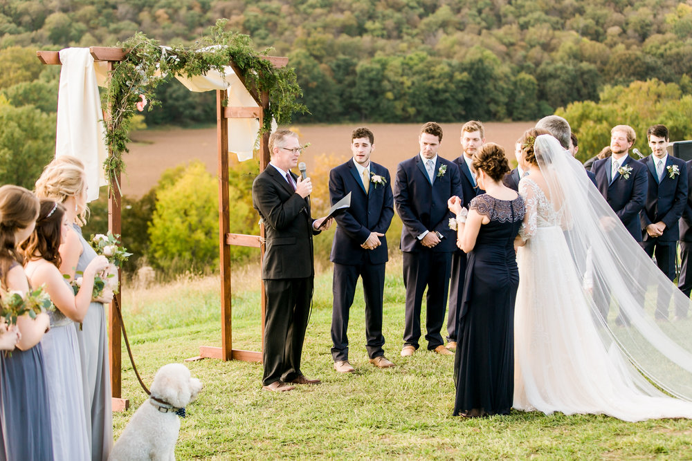 MissouriRusticWedding_StLouisWeddingPhotographer_AliciaDan_CatherineRhodesPhotography-3262-Edit.jpg