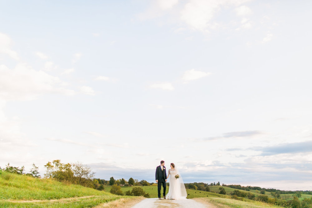 MissouriRusticWedding_StLouisWeddingPhotographer_AliciaDan_CatherineRhodesPhotography-3989-Edit.jpg