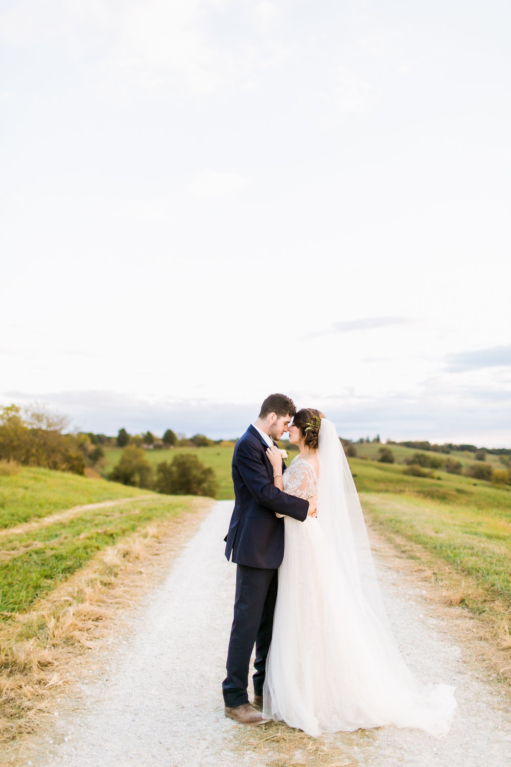 MissouriRusticWedding_StLouisWeddingPhotographer_AliciaDan_CatherineRhodesPhotography-4030-Edit.jpg