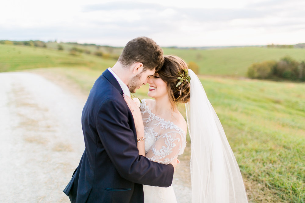 MissouriRusticWedding_StLouisWeddingPhotographer_AliciaDan_CatherineRhodesPhotography-4041-Edit.jpg
