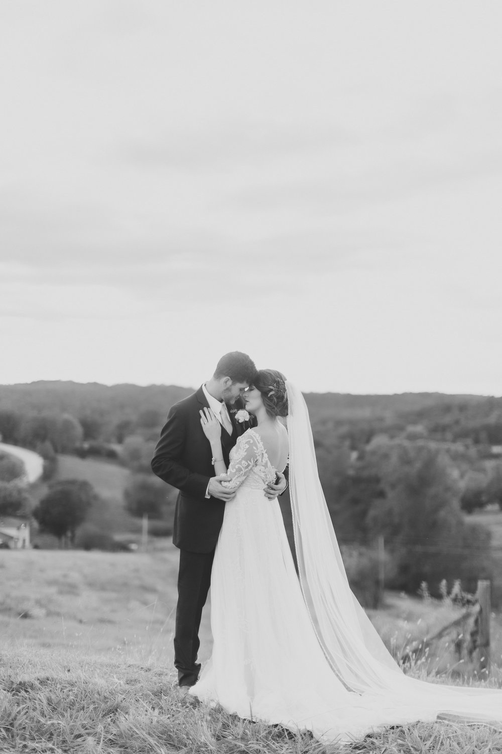 MissouriRusticWedding_StLouisWeddingPhotographer_AliciaDan_CatherineRhodesPhotography-4097-Edit.jpg