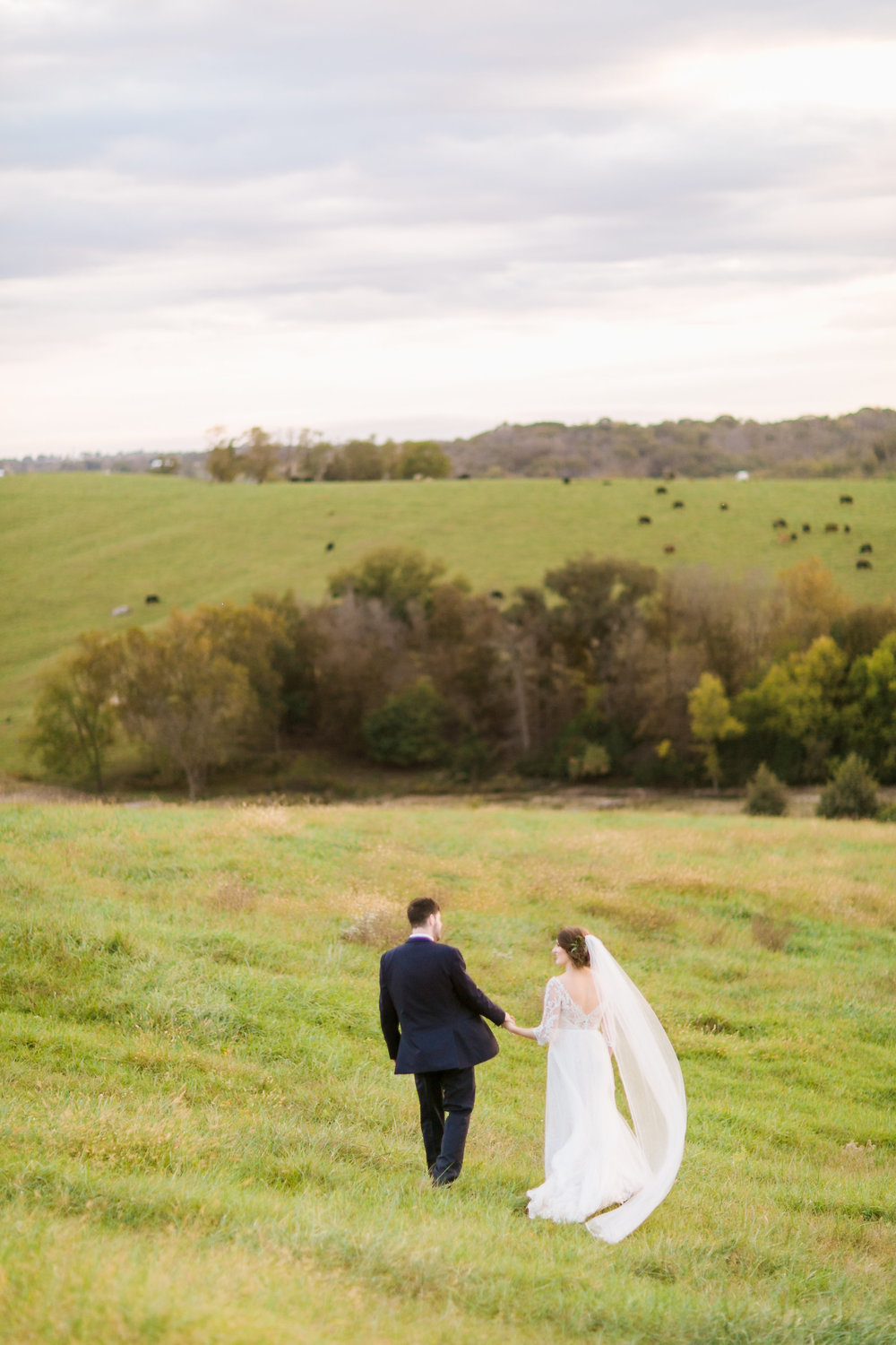 MissouriRusticWedding_StLouisWeddingPhotographer_AliciaDan_CatherineRhodesPhotography-4188-Edit.jpg