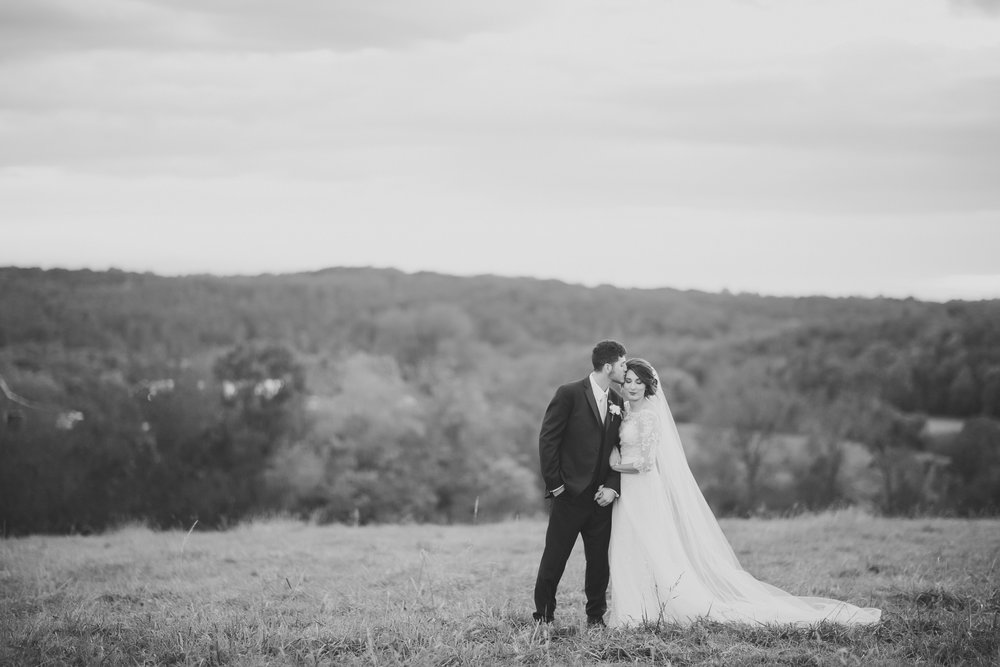 MissouriRusticWedding_StLouisWeddingPhotographer_AliciaDan_CatherineRhodesPhotography-4370-Edit.jpg