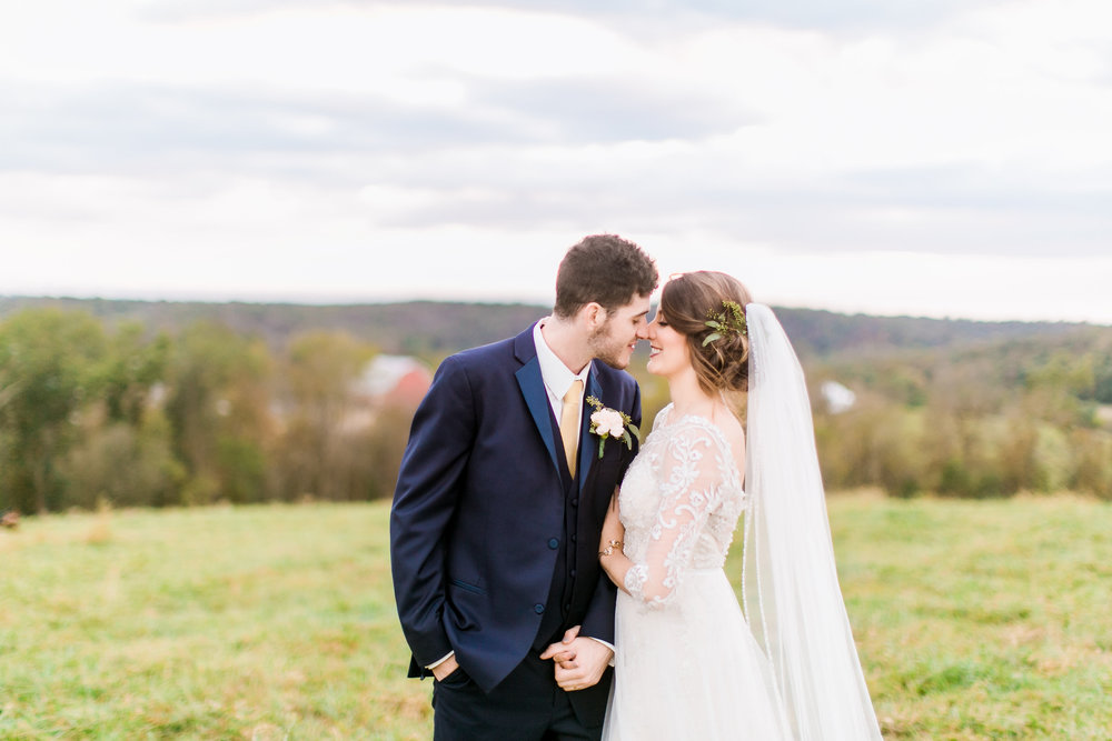 MissouriRusticWedding_StLouisWeddingPhotographer_AliciaDan_CatherineRhodesPhotography-4388-Edit.jpg