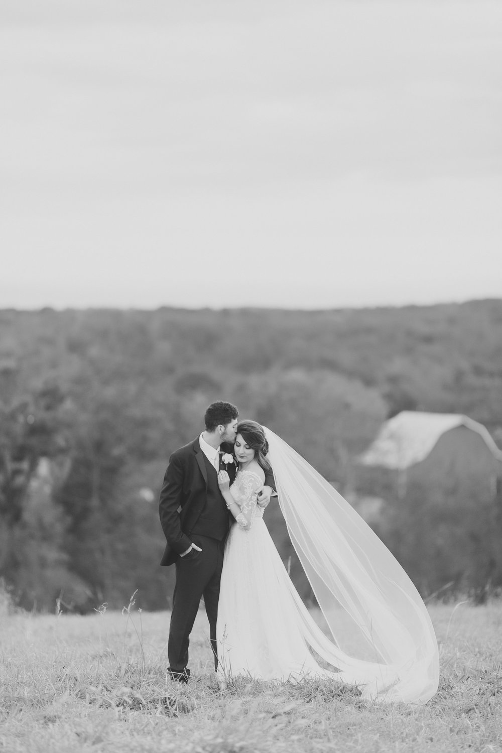 MissouriRusticWedding_StLouisWeddingPhotographer_AliciaDan_CatherineRhodesPhotography-4523-Edit.jpg