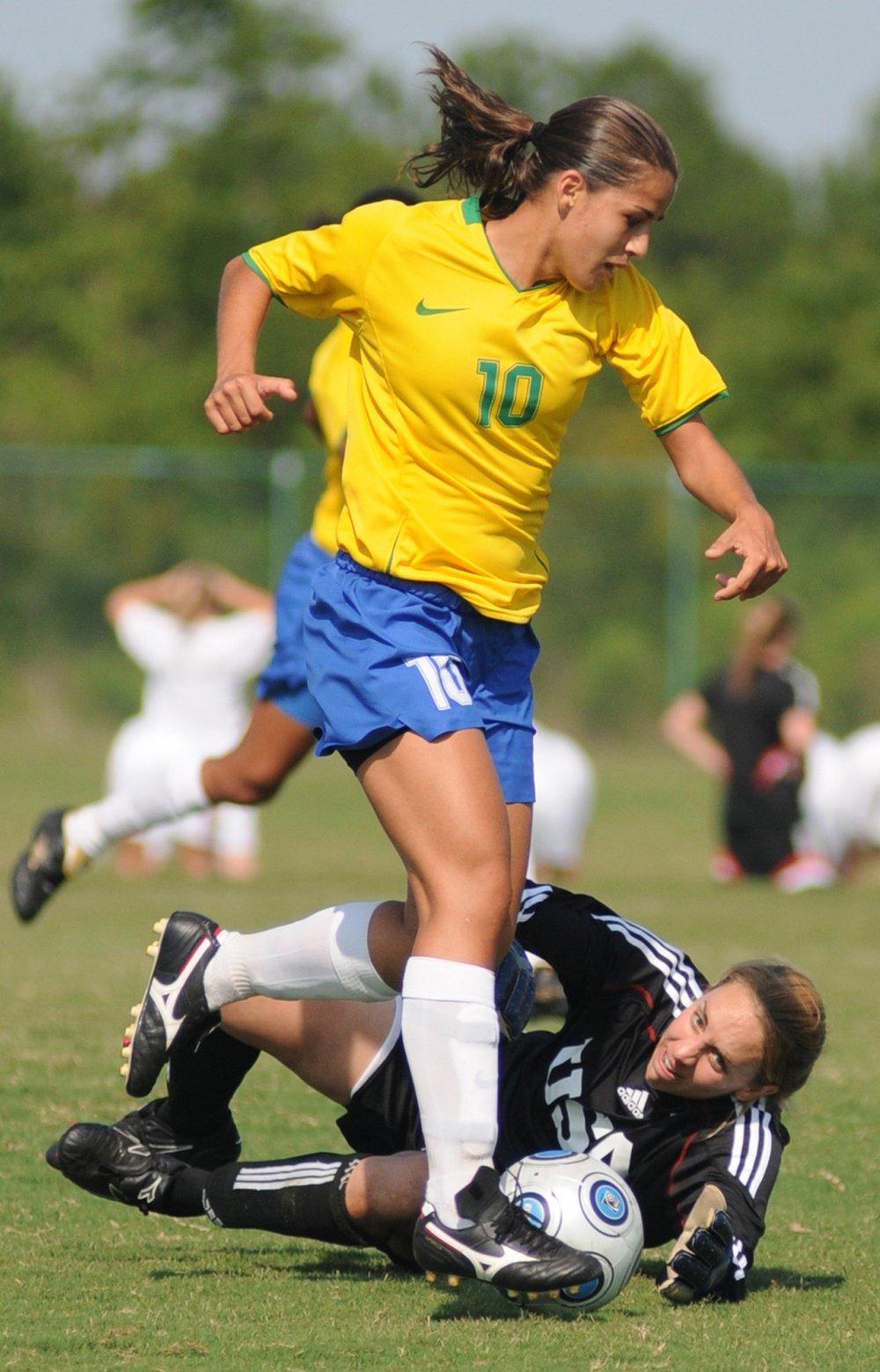 soccer-673473.jpg