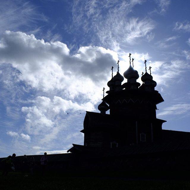 Kizhi Island . Visit the website @ www.palebluedotphoto.ca (link in profile) . #russia #petrozavodsk #петрозаводск #карелия #karelia #ptz #lakeonega #птз #russia_pics #petrozavodskcity #kizhi #lakeonegarussia #ptzcity #онежскоеозеро #россия #холостяк #petrozavodsk_insta #onega #photorussia #фотодляроссии #lake #kizhi #кижи #vscorussia #karelialive #karelianbeardog #nature #karjalankarhukoira #карелия2018 #karelialove