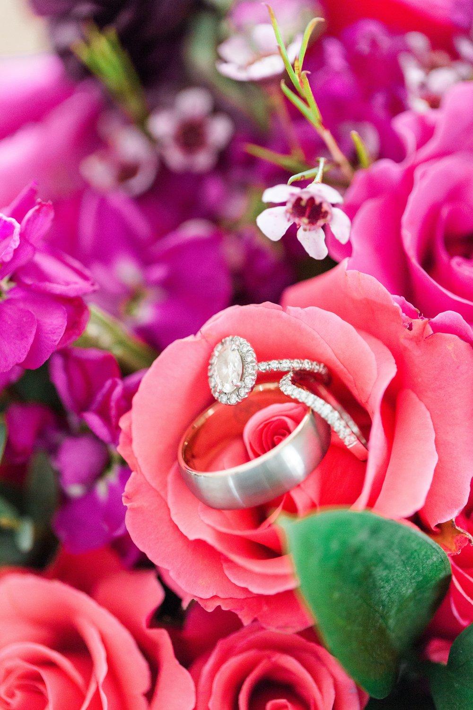 Lost Creek Winery Wedding JR Flowers(1)-min.jpg