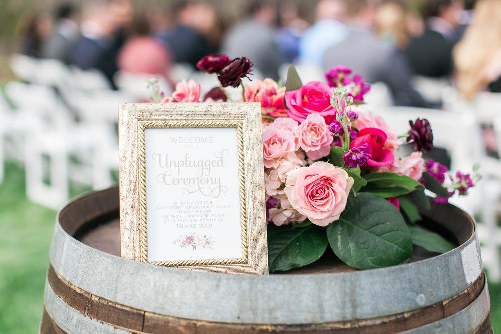 Lost Creek Winery Wedding JR Flowers_(12)-min.jpg
