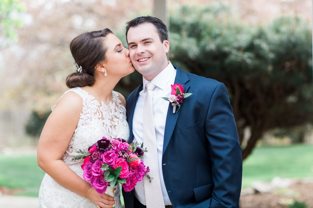 Spring Wedding at Lost Creek Winery -   Chelsea Schaefer Photography