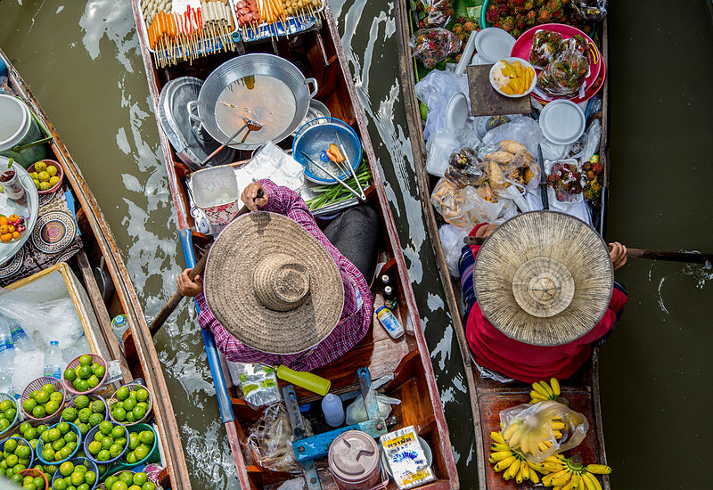 Floating_market_Thailand.jpg