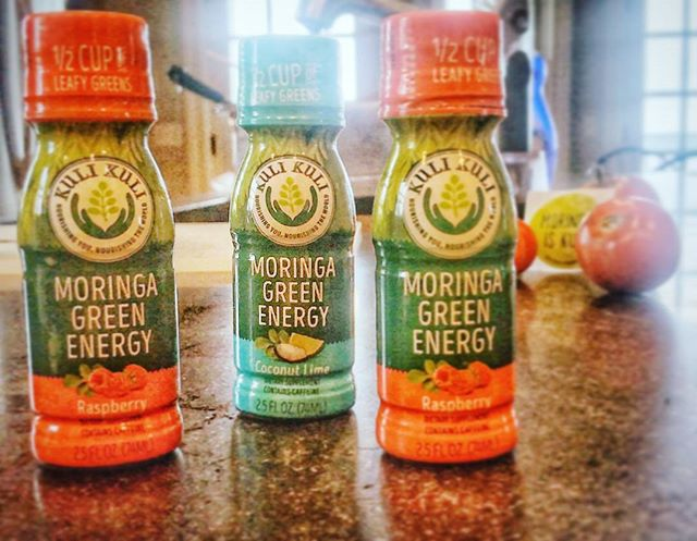 MORINGA! These green energy shots from @kulikulifoods taste like tiny green smoothies! Packed with 3000 mg of antinflammatory, nutrient-dense moringa leaf powder, equivalent to 1/2 cup of greens. This company supports women's cooperatives across West Africa and is spreading knowledge about the super health benefits of #Moringa 💙 . . . . . . . #calcium #greens #kulikuli #superfood #energyshot #plantpowered #plantbased #getfit #cleaneating #nutritiousanddelicious #veganfoodshare #plantpowered #greenenergy #eatplants