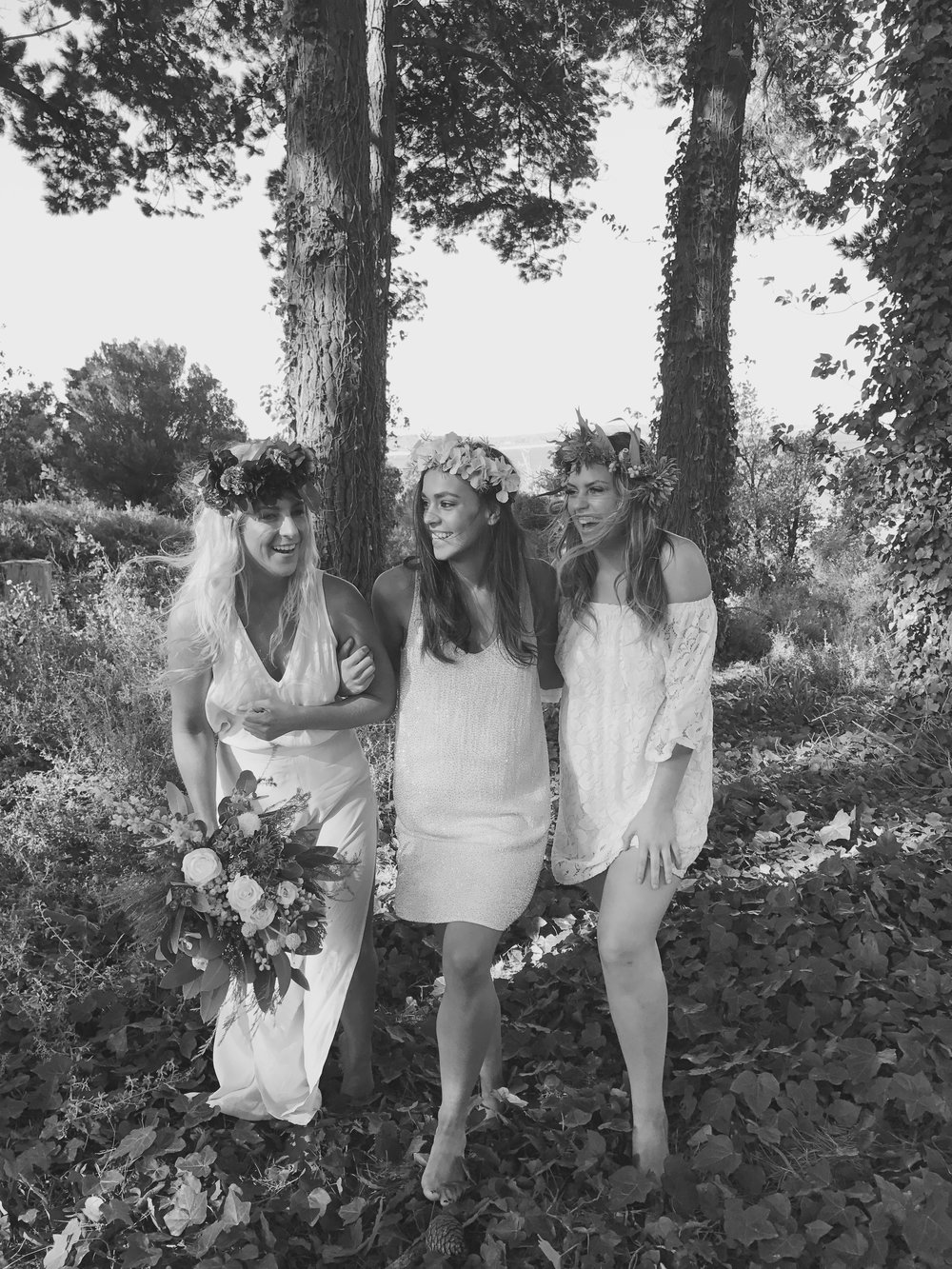 IN THE VINE FORREST HAVINg A LAUGH TOGETHER AS GAL PALS DO