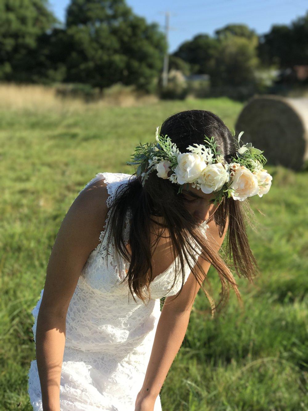JAMIE DRESSED IN A BEAUTIFUL VINTAGE LACE DRESS // HARRIET CROWN