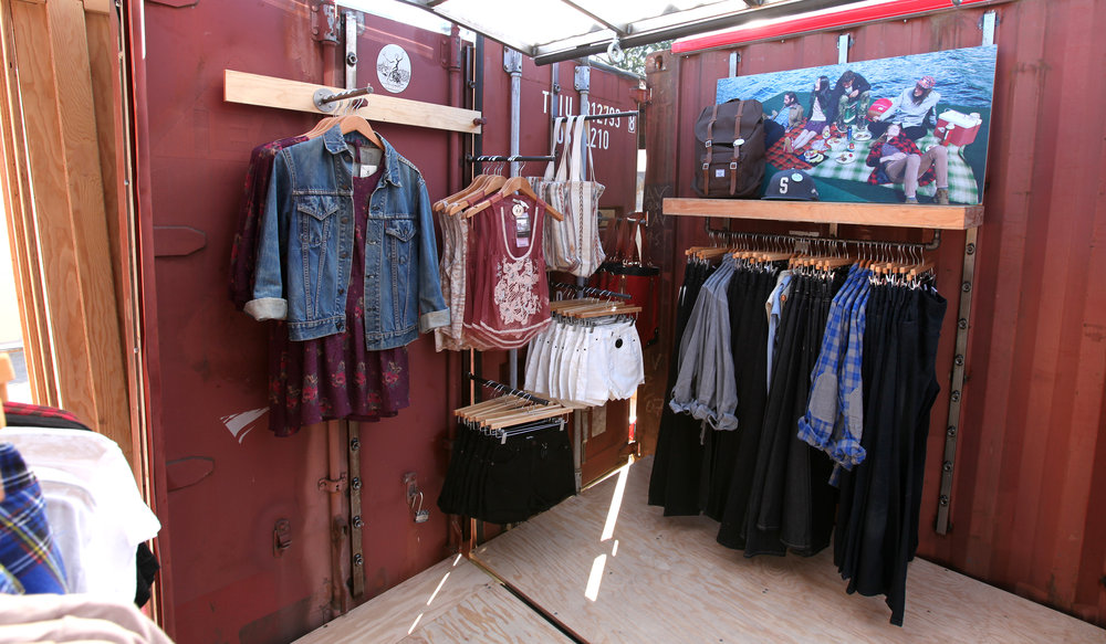 Urban Outfitters - Mobile Retail Display