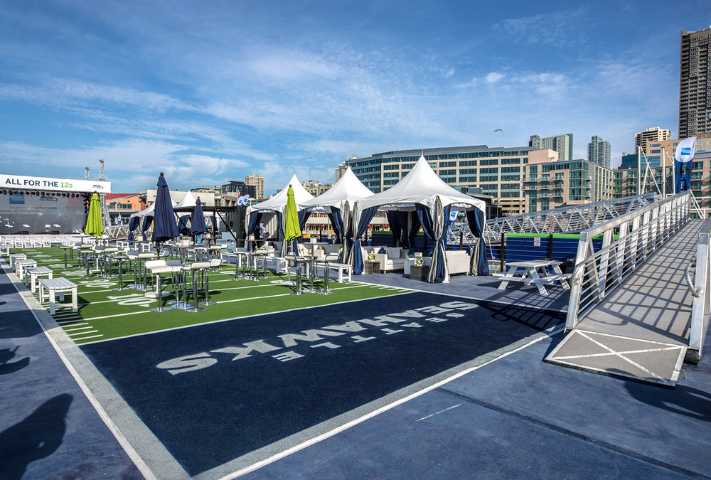 Momentum Worldwide reached out to ImagiCorps for strategic design, engineering, production and deployment support for the American Express Blue Friday event
