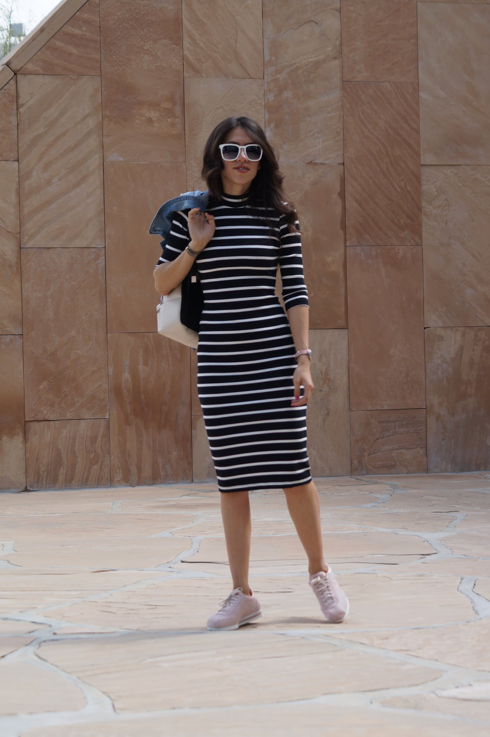 turtle neck dress white sunglasses pink sneackers