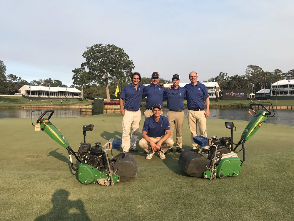 The guys who are mowing #17 this week. (Pic:@nathwat_golf)